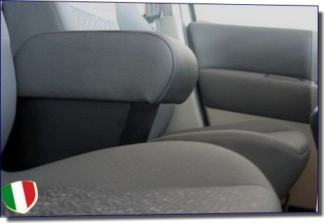 Armrest with storage for Renault CLIO (9/2005-2012)