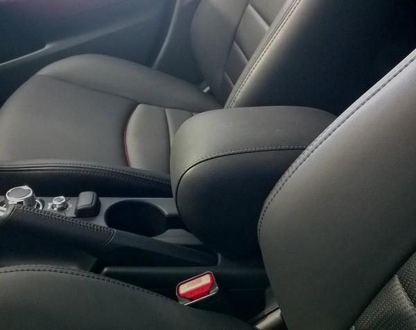 Bracciolo Elegant per Mazda 2 (serie DJ dal 2014) - accoudoir - mittelarmlehne