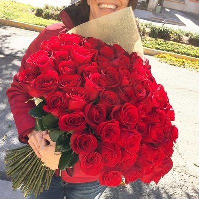 Bouquet tradicional de 100 Rosas
