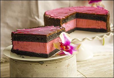 Strawberry Chocolate Cheesecake