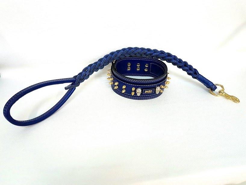 Kit Jago. Altezza collare 7 cm / collar height 2,76 in