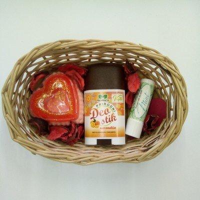 Poklon set (glicerinski sapun, deo stik, stik za usne)