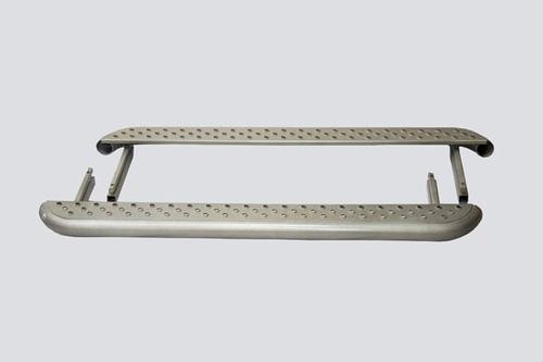 Пороги «Трофи» с металлическим листом, 2131 (комплект)