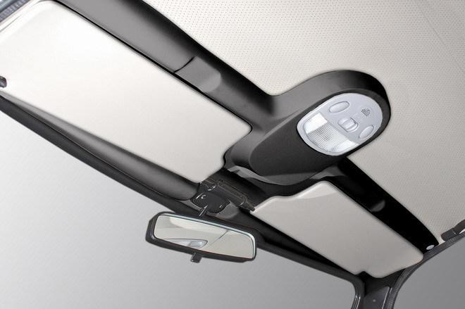Светильник-накладка потолка (черный/бежевый) с симпатичным плафончиком (травмозащита)