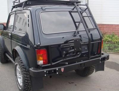 Силовой задний бампер  с кронштейном запасного колеса