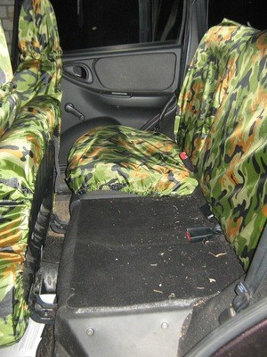 ГрязеЗащитные чехлы на задние сиденья