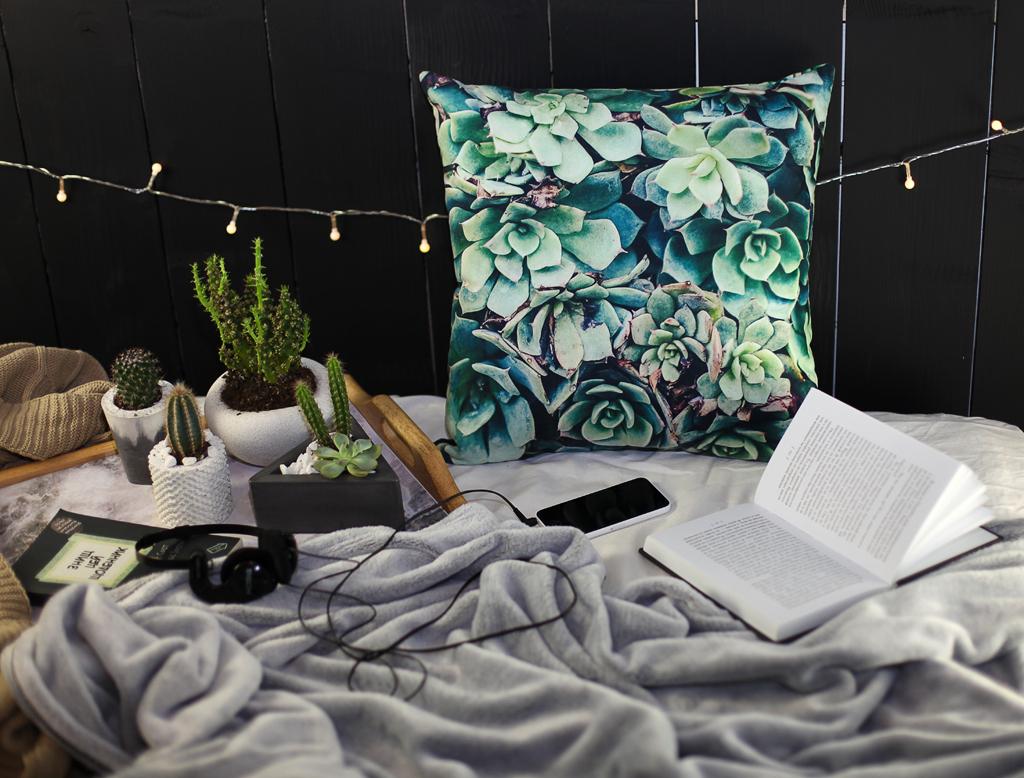 Подушка для дивана 45х45 см Суккуленты