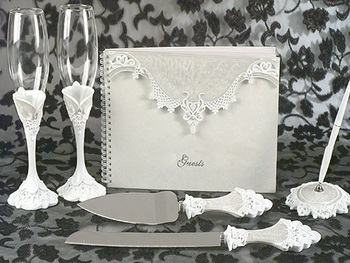 Lovely Victorian Lace Set