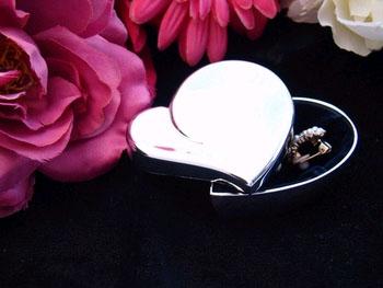 Small Heart Jewelry Box