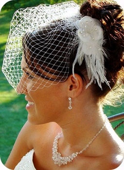 FASCINATOR & CAGE VEIL by WEDDING FACTORY DIRECT