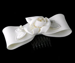 IVORY PEARL BOW