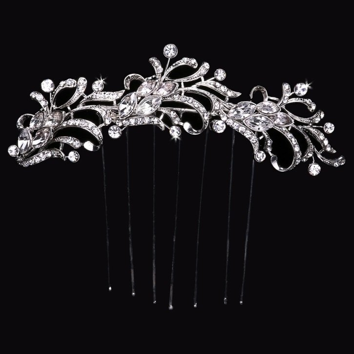 Bridal Veil Comb with Rhinestones by ENVOGUE ACCESSORY'S