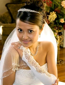 DESIGNER FINGERLESS GLOVE  BY WEDDING FACTORY DIRECT