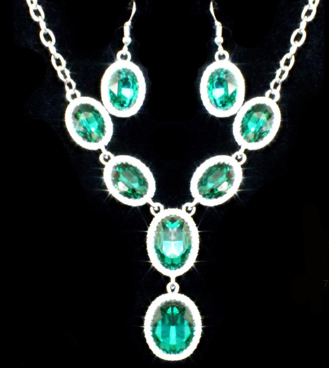 Light Green Necklace Set