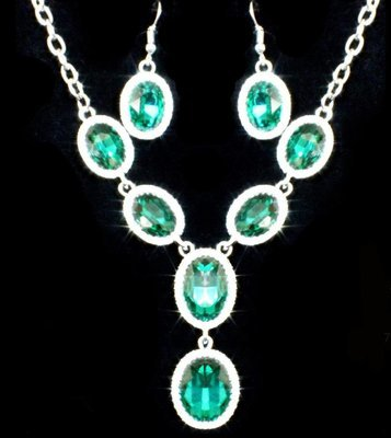 Light Green Necklace Set