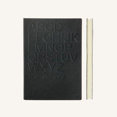 Signature Gutenberg vonalas jegyzetfüzet - A5 , Helvetica,fekete