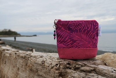 Small Carry Case - Fuchsia Frond