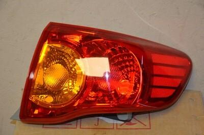 Фонарь правый Toyota Corolla E150