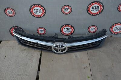 Решетка радиатора Toyota Camry V55 Exclusive