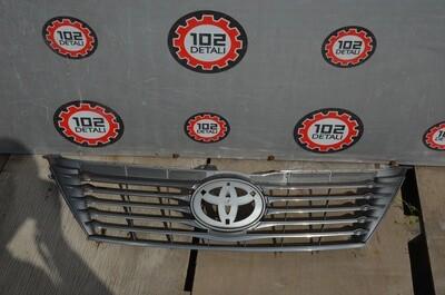 Решетка радиатора Toyota Camry V50