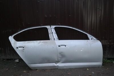 Двери правые страховые Skoda Octavia A7
