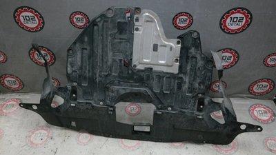 Защита двигателя пластиковая Honda CR-V 4 (2012--)