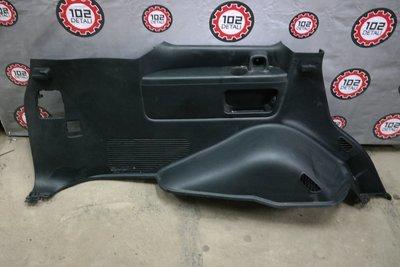 Обшивка багажника левая Toyota LC 200 (2008--)