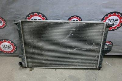 Радиатор охлаждения Renault Logan (2008--)