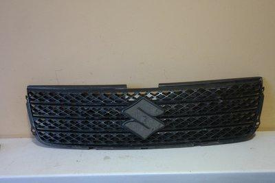 Решетка радиатора Suzuki Grand Vitara