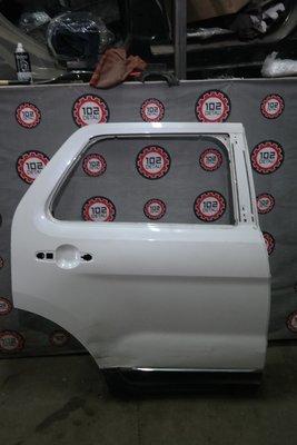 Дверь задняя правая Ford Explorer 2011>