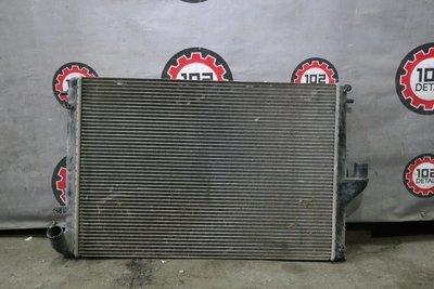 Радиатор Renault Logan