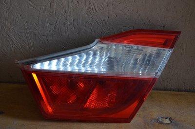 Внутренний фонарь Toyota Camry v55 v50