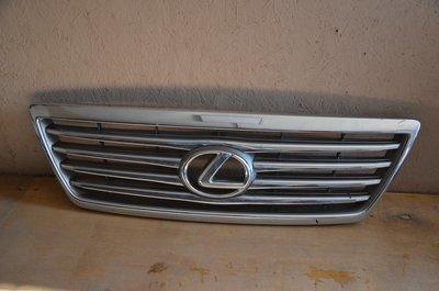 Решетка радиатора Lexus LX470