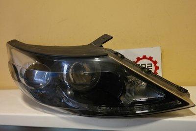 Фара правая Kia Sportage 3 Galogen + LED дхо