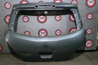 Дверь багажника Nissan Tiida C11