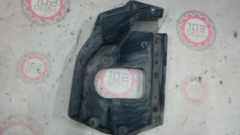 пыльник двигателя боковой левый  Lexus LX-570 с 2007-2015г,