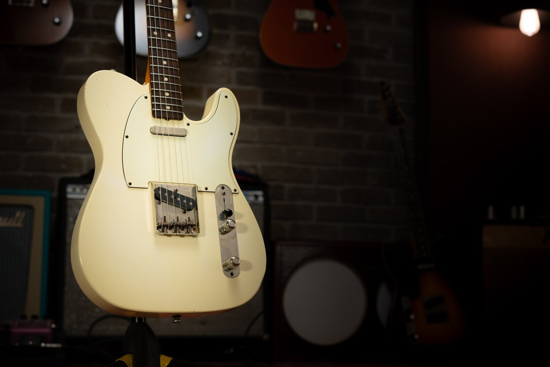 *Showroom/Demo Guitar* Macmull T-Classic, Aged White 3.32kg / 7.32lbs