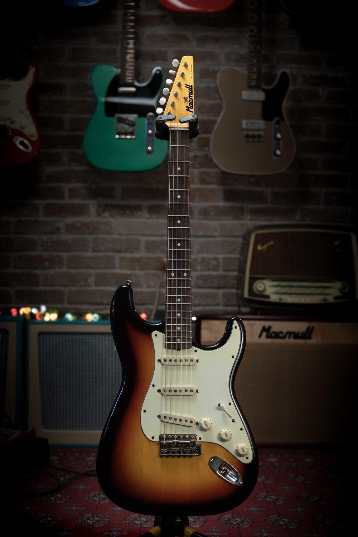 Macmull S-Classic, 3 Tone Sunburst