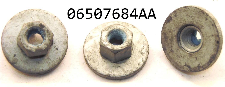 Chrysler 06507684AA