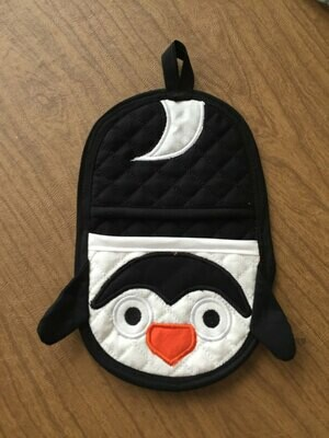 Penguin oven mitt machine embroidery in the hoop design