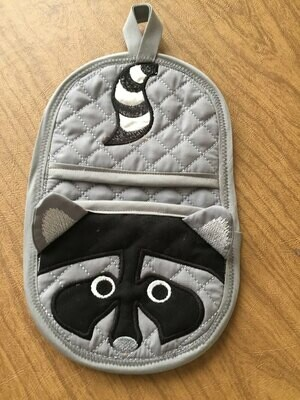 Raccoon oven mitt machine embroidery in the hoop design