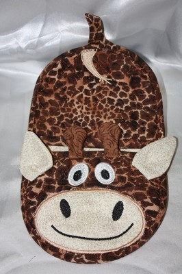 giraffe oven mitt embroidery in the hoop