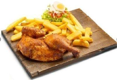 Halve gegrilde kip (piri-piri (pikant))