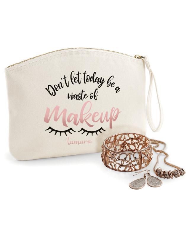 Kozmetička torbica Waste of Makeup