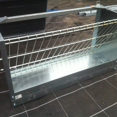 ophangbare hooiruif met voerbak 1 meter