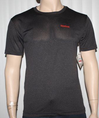 Reebok SPORT Regular Classic Fit Men's Black Heather/Red Reebok Shirt (Small)