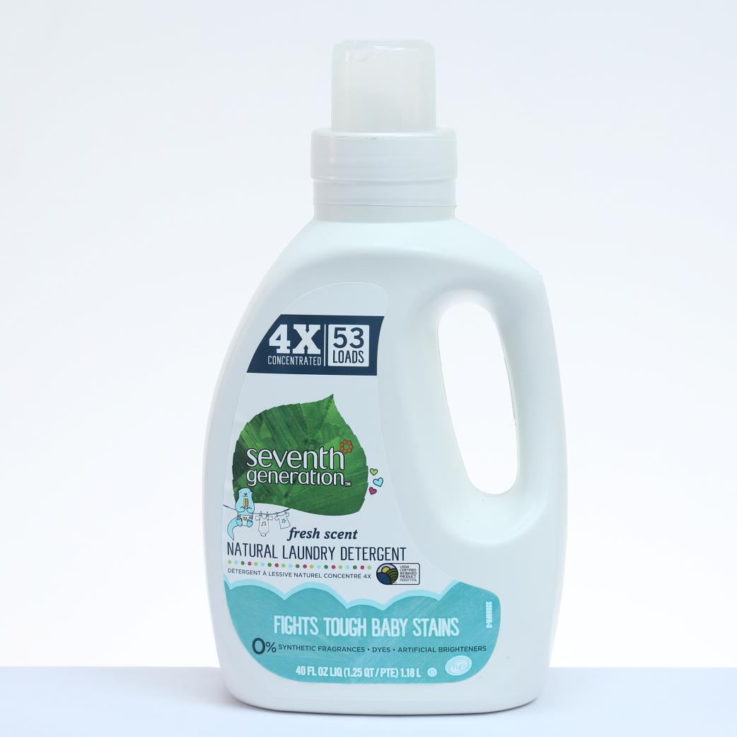 Seventh Generation Detergente Natural Para Ropa de Bebés - 40 oz. / 1.18 L.