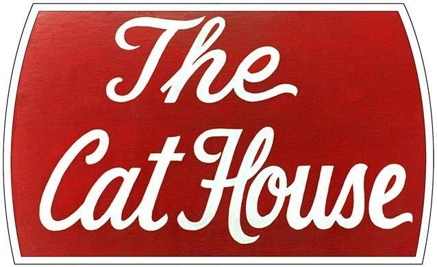 CAT HOUSE * 6'' x 11'' 10525