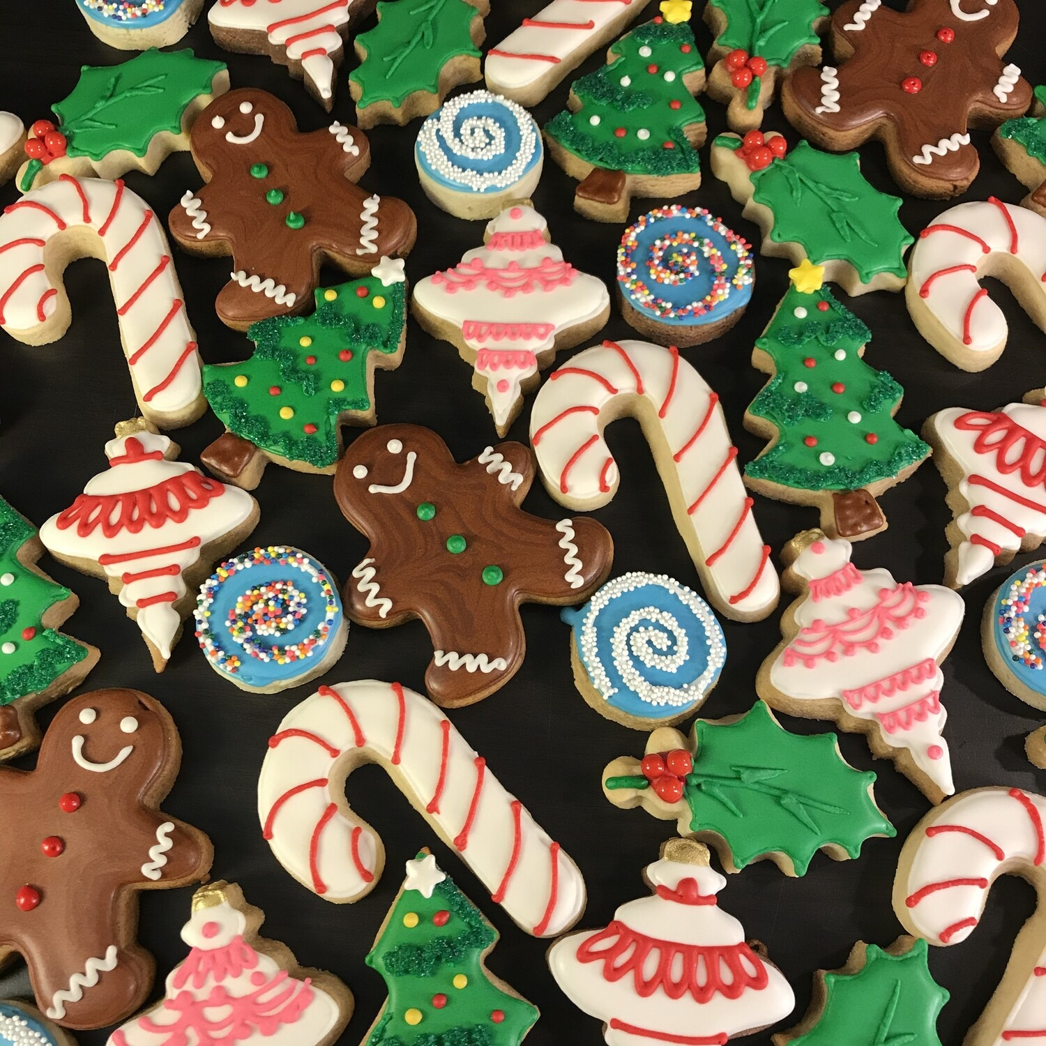 'Christmas Treats Decorating Workshop - SATURDAY, DECEMBER 14th at 6:30 p.m. (THE COOKIE DECORATING STUDIO)