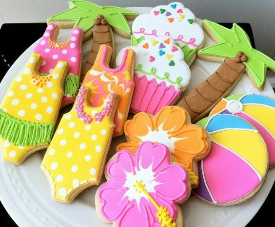 'Beach Fun Decorating Workshop - FRIDAY, JUNE 12th at 1:30 p.m. (THE COOKIE DECORATING STUDIO)